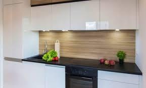 cuisine armoire brune déco decoration cuisine armoires blanches 49 decoration cuisine
