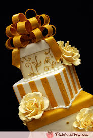 Wedding Cake Gift Boxes Gold And White Gift Box Wedding Cake Wedding Cakes
