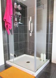 Remove Soap Scum From Glass Shower Doors How To Remove Soap Scum From Your Glass Shower Door In Just 5