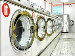 Down Comforter In Washing Machine What Is The Best Way To Wash A Comforter With Pictures