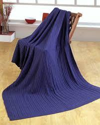 canap bleu roi jeté de lit ou de canapé 100 coton torsadé bleu marine homescapes
