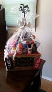 bridal shower gift baskets bridal shower gift ideas