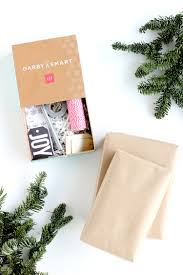 three easy kraft paper gift wrapping ideas