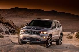 jeep cherokee ads 2017 jeep grand cherokee trailhawk first official images