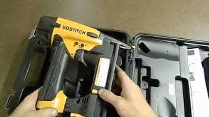 Best Pneumatic Staple Gun For Upholstery Bostitch Sx1838k Pneumatic Stapler Review By