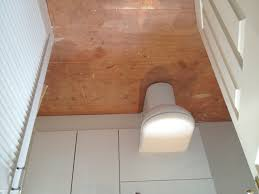 simple how to lay lino flooring in a bathroom home design popular