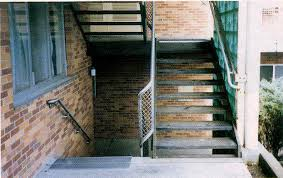 major metal cast aluminum or cast iron abrasive stair treads and