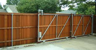 Backyard Fencing Ideas Diy Privacy Fence Best 25 Diy Privacy Fence Ideas On Pinterest