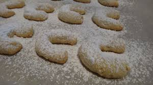 i want to cook that almond crescent cookies