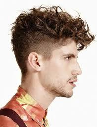 coupe cheveux bouclã s homme coiffure boucle coupe de cheveux bouclés coupe courte cheveux frisés
