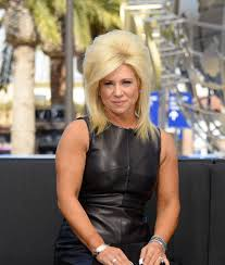 how ols is theresa csputo theresa caputo tears up about her broken marriage extratv com