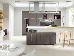 cuisines blanches et grises cuisines blanches et grises cuisine amenagement ilot design blanche