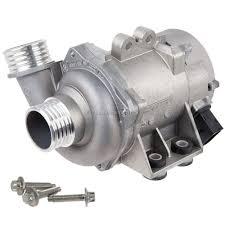 Water Pump Car Leak Bmw Leaking Cracked Water Pump Motor Vehicle Maintenance