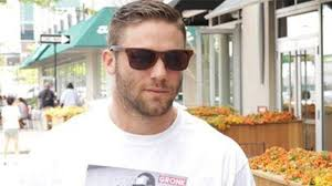 edelman haircut julian edelman wears t shirt of shirtless rob gronkowski video