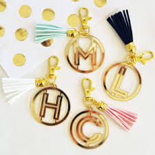 wedding favor keychains gold monogram acrylic keychain wedding favor key chains silver