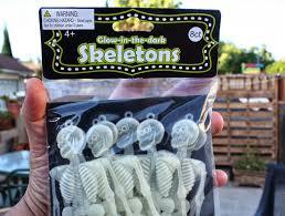 dollar store diy halloween skeleton garland pearmama