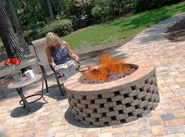 Starting A Fire Pit - best 25 brick fire pits ideas on pinterest diy firepit ideas