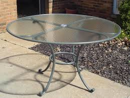 Patio Table With Umbrella Hole Stylish Glass Outdoor Table Top Replacement Mer Enn 25 Bra Ideer