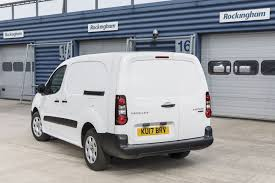 peugeot van peugeot partner electric 67ps l2 552 se van auto road test parkers