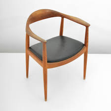 iconic chairs danish designer hans wegner made chair an art form