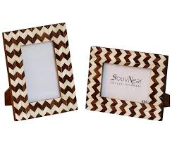 amazon com todays sale on wooden picture photo frame 4x6 photos amazon com todays sale on wooden picture photo frame 4x6 photos souvnear chevron stripes wooden brown beige decorative photo frames in solid wood for