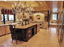 Kris Jenner Bedroom Furniture Kim Kardashian Breaks Her Silence On U0027fake U0027 Jenner House On Kuwtk