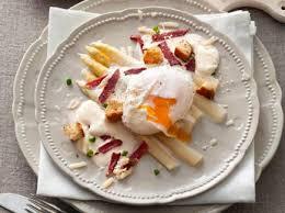 comment cuisiner des asperges fraiches pâtes aux asperges et parmesan recettes femme actuelle
