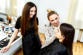 Makeup Artist Online Youtube Tutorials Vs An Online Makeup Academy Qc Makeup Academy