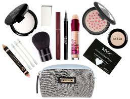 ask belle belle u0027s makeup touch up kit the work edit by capitol