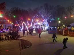 Six Flags Adress Christmas Cheer Combines With Thrills At Six Flags Thebaynet Com
