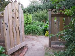recycled cedar art cat fence and gate