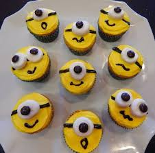 minion cupcakes s kitchen s minion cupcakes
