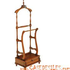 meuble valet de chambre valet de nuit en bois patiné merisier 3096