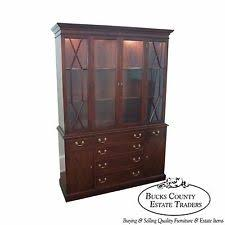 Break Front Cabinet Thomasville Flame Mahogany Chippendale Style Lighted Breakfront
