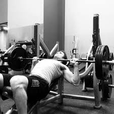 How To Do A Incline Bench Press 4 Reasons Incline Bench Press Should Dominate Chest Day Vs Flat