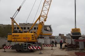 mobile yard crane for logistics and handling sennebogen 640 m for