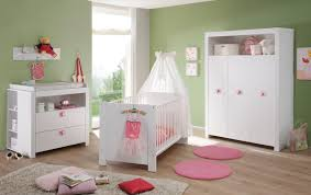 babyzimmer rosa babyzimmer kleiderschrank weiß design rosa