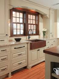 what color kitchen cabinets with wood floor kitchen cabinets with wood floors and wood color