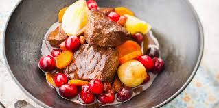 cuisiner des airelles boeuf bourguignon aux airelles facile et pas cher recette sur