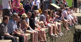 londoners hit richmond for hottest bank holiday