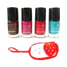 oriflame 4 pc pure colour mini nail polish set with carry pouch