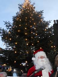 turning on the christmas tree lights in rathmines st louis
