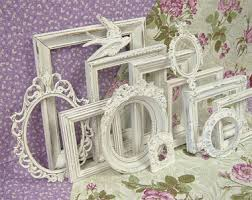 etagere shabby chic choosing frames in harmony