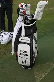 dustin johnson u0027s winning taylormade golf bag of clubs at the