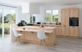 cuisine en bois decoration de cuisine en bois trendy photo decoration cuisine