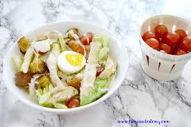 quoi cuisiner ce soir on mange quoi ce soir une salade césar la minute d emy