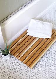 diy cedar bath mat bath mat bath and fabrics diy cedar bath mat