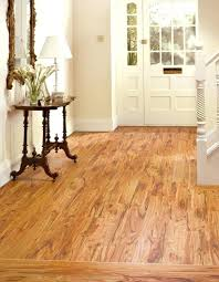 laminate flooring that looks like wood ceramic floor tile that looks like wood 5 laminate flooring laminate flooring