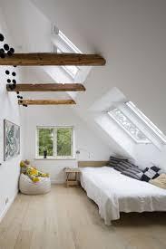 Schlafzimmer Komplett Zu Verschenken In Berlin Die Besten 25 Schräge Decke Ideen Auf Pinterest Loft Zimmer