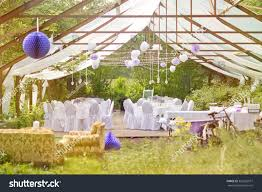 daytime outdoor wedding decorations wedding florist ideas tips